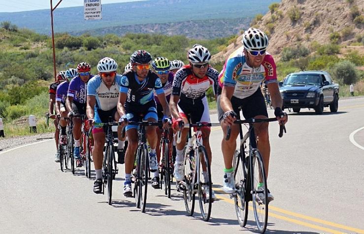 El pelotón realizó un viaje maravilloso por Los Cerrillos. (Foto: Xavier Videla)